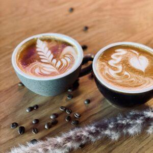 Bild von zwei schönen Kaffeemustern